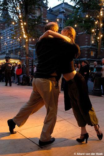 tango-midzomeravondsalon-leidseplein-amsterdam-21-juni-2007-fotos-allard-van-der-hoek-2