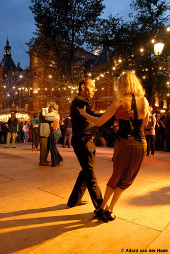 tango-midzomeravondsalon-leidseplein-amsterdam-21-juni-2007-fotos-allard-van-der-hoek-5
